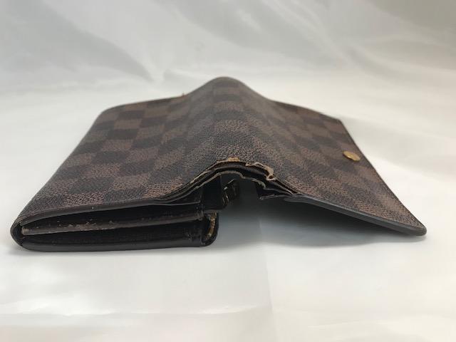 [Louis Vuitton] ルイヴィトン ダミエ二つ折り財布 部分縫製と部分補色